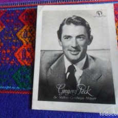 Catálogos publicitarios: INFONAL 2 ROLLFILMS CROMO POSTAL PUBLICITARIO GREGORY PECK. AÑOS 40. 9X7 CMS. RARO.. Lote 222300985