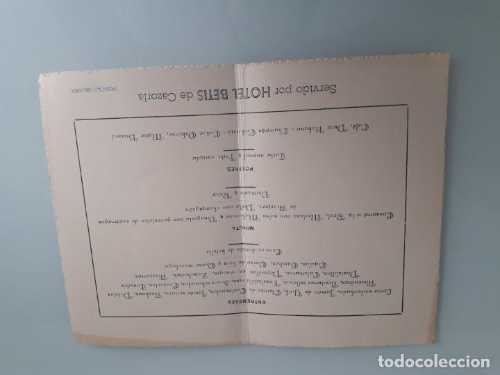 Catálogos publicitarios: TARJETA MENÚ ENLACE MATRIMONIAL - SERVIDO POR HOTEL BETIS DE CAZORLA - JAÉN - VIII-IX-MCMLX - 1960 - Foto 2 - 254361385