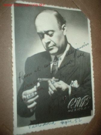 ANTIGUA FOTO CON AUTOGRAFO DEL ARTISTA RAFAEL CERVERA, ESTA DEDICADA Y FECHADA VALLADOLID 1952 (Cine - Autógrafos)