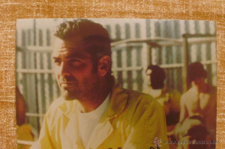 Cine: Fotografía firmada por George Clooney. A color. Año 2001. Mide 26x20 cm. (8x10,25 pulgadas) - Foto 5 - 43355560