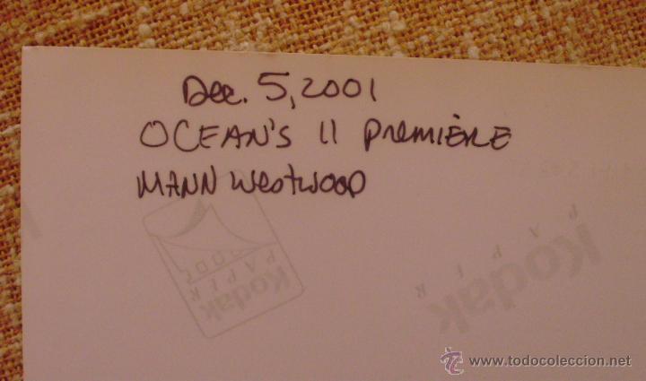 Cine: Fotografía firmada por George Clooney. A color. Año 2001. Mide 26x20 cm. (8x10,25 pulgadas) - Foto 8 - 43355560