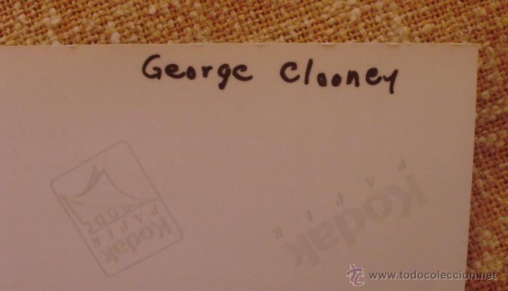 Cine: Fotografía firmada por George Clooney. A color. Año 2001. Mide 26x20 cm. (8x10,25 pulgadas) - Foto 9 - 43355560