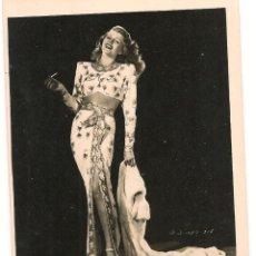 Cine: GILDA - RITA HAYWORTH - FOTO CON DEDICATORIA EN LA PARTE POSTERIOR Y FIRMA. Lote 172791408