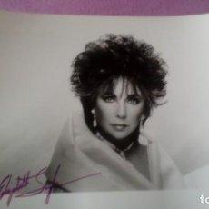 Cine: FOTO AUTOGRAFO ORIGINAL 100% DE ELIZABETH TAYLOR FOTO HECHA POR GARY BERNSTEIN EN 1989 DE 25X20 CMS. Lote 93644225