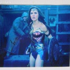 Cine: GAL GADOT.MUJER MARAVILLA.BATMAN SUPERMAN.AUTÓGRAFO FIRMA ORIGINAL.CERTIFICADO AUTENTICIDAD.. Lote 102730455