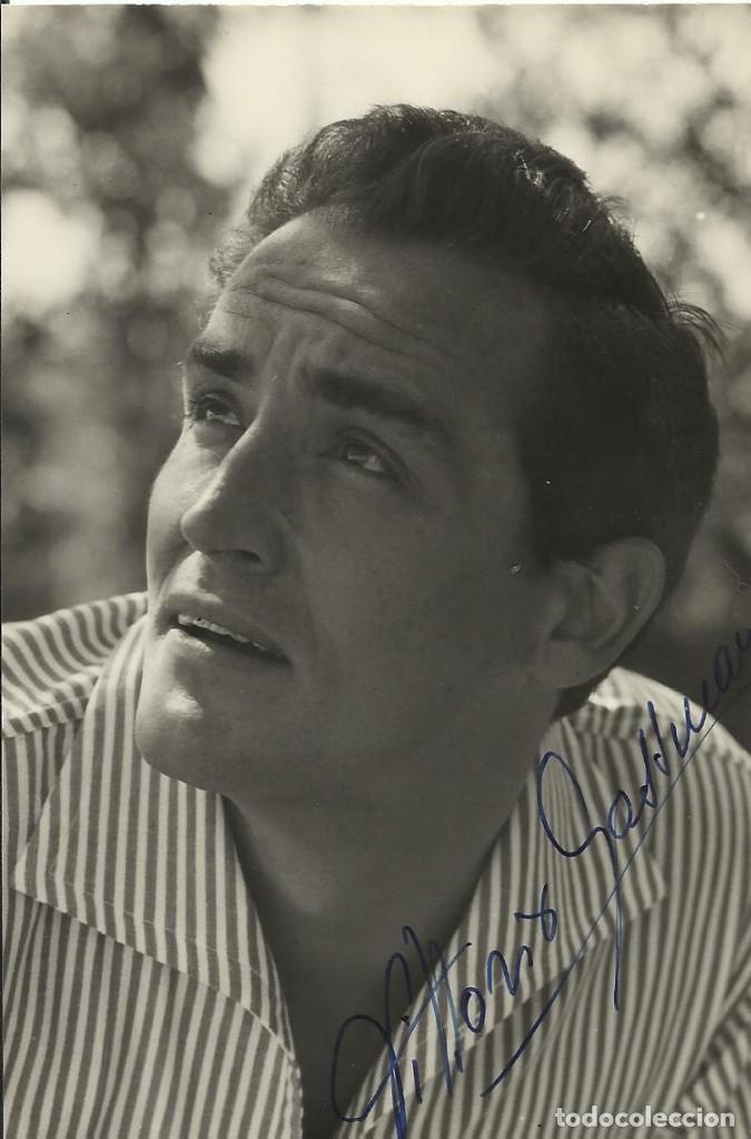 AUTÓGRAFO ORIGINAL, FIRMA DE VITTORIO GASSMAN 15X10 CM. HAND SIGNED. AUTOGRAPH. ACTOR ITALIANO. (Cine - Autógrafos)