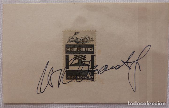 Cine: AUTOGRAFO EN Tarjeta firmada con sello de William Randolph Herst Jr. (Editorial Newspapaers - Foto 3 - 132148382