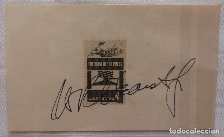 Cine: AUTOGRAFO EN Tarjeta firmada con sello de William Randolph Herst Jr. (Editorial Newspapaers - Foto 4 - 132148382