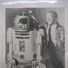 Cine: FOTOGRAFIA R2 D2 - KENNY BAKER CON AUTOGRAFO - STAR WARS - GUERRA DE LAS GALAXIAS - CERTIFICACION. Lote 141101006