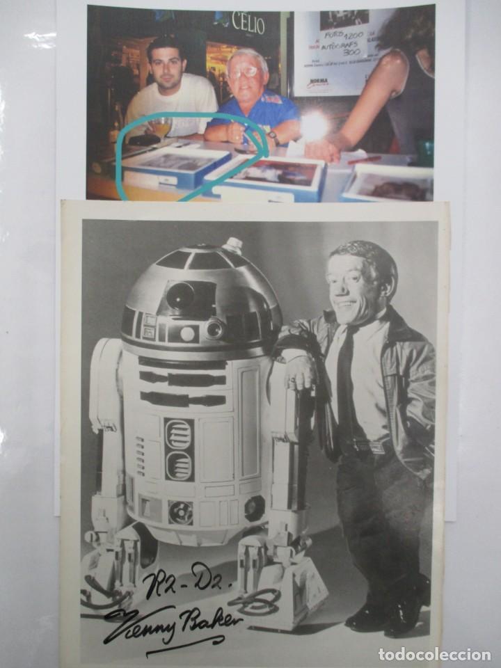 Cine: FOTOGRAFIA R2 D2 - KENNY BAKER CON AUTOGRAFO - STAR WARS - GUERRA DE LAS GALAXIAS- CERTIFICACION - Foto 4 - 141101006