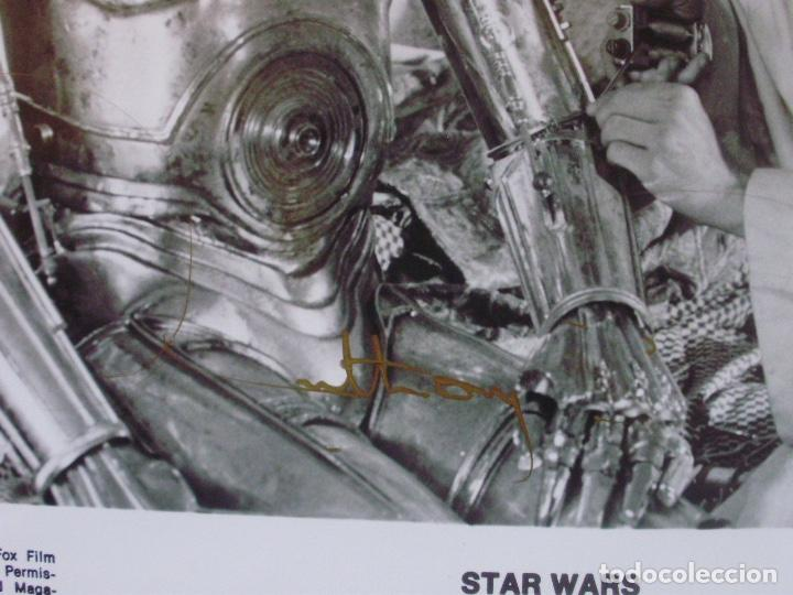 Cine: ANTHONY DANIELS signed 8x10 still 80s as C-3PO being repaired by Luke Skywalker - Foto 2 - 141150474
