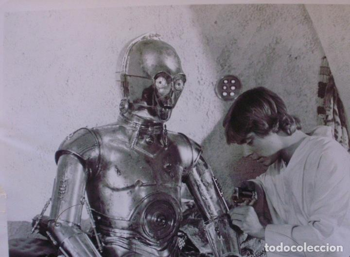 Cine: ANTHONY DANIELS signed 8x10 still 80s as C-3PO being repaired by Luke Skywalker - Foto 3 - 141150474