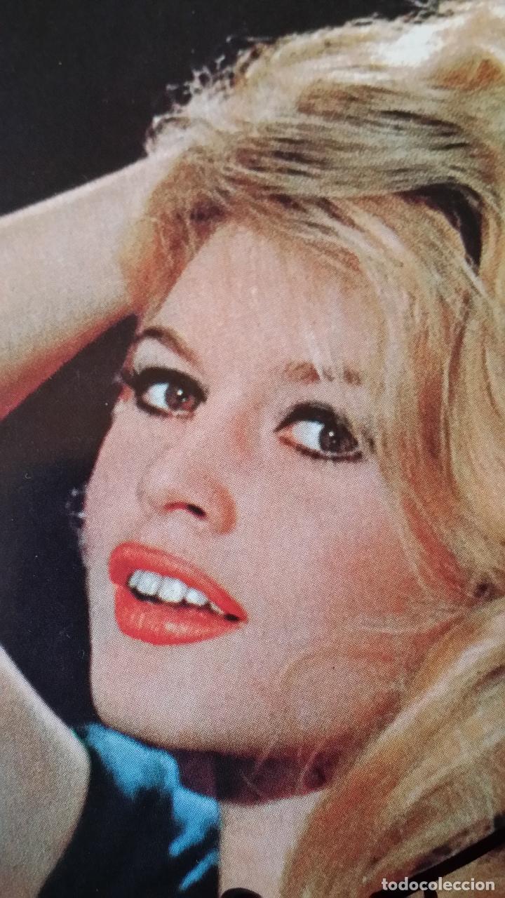 Cine: Brigitte BARDOT, autografo en postal vintage - Foto 3 - 142266282