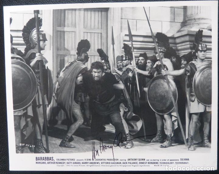 Cine: Autografo de ANTHONY QUINN firmó 8x10 todavía 62 siendo detenido por guardias de Barrabás! - Foto 3 - 177963310