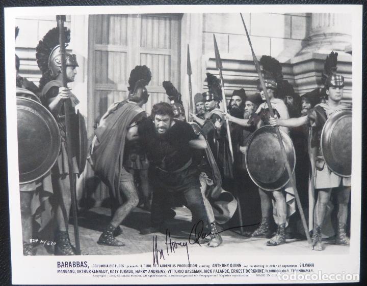 Cine: Autografo de ANTHONY QUINN firmó 8x10 todavía 62 siendo detenido por guardias de Barrabás! - Foto 5 - 177963310