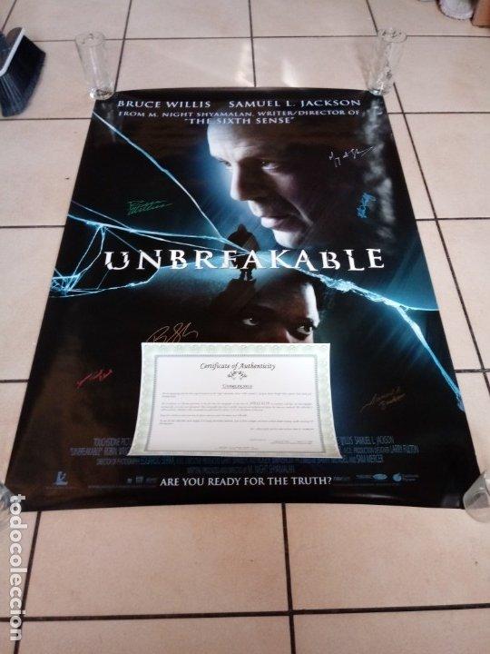 Cine: Cartel Poster Unbreakable ( El Protegido ) USA. Firmado por todo el reparto.Bruce Willis signed. - Foto 6 - 179142396