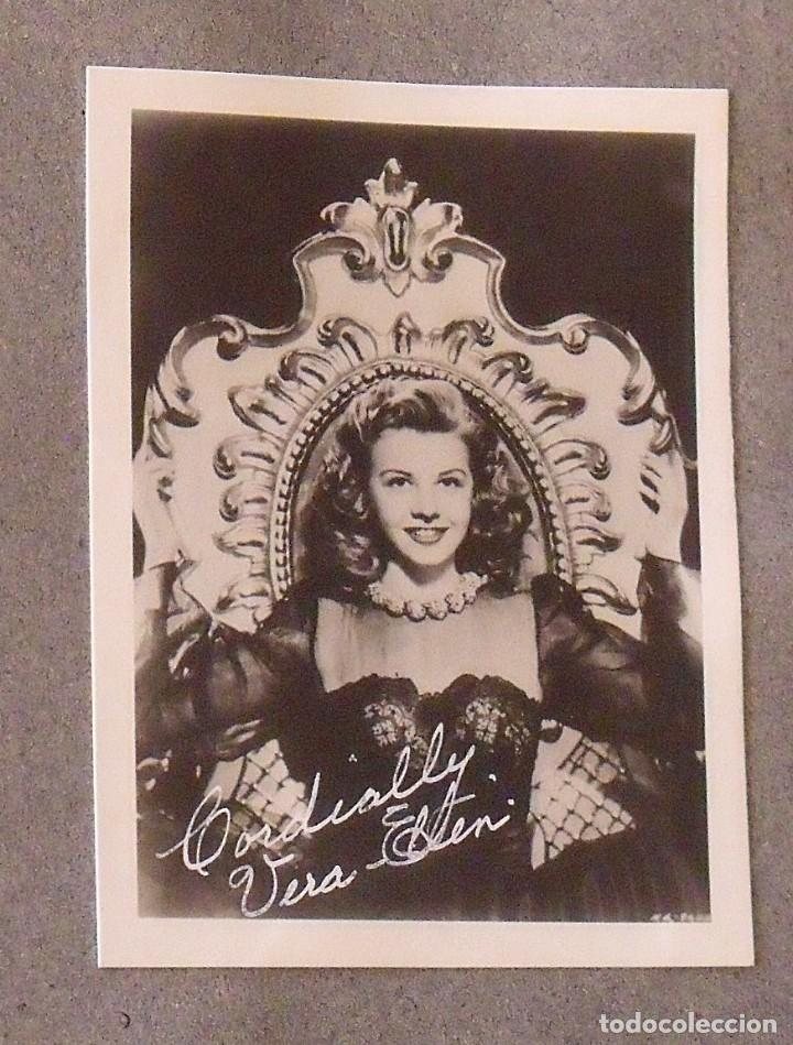 Cine: Álbum autógrafos estrellas Hollywood años 40. Johnny Weissmüller, Glen Ford, Bing Crosby, etc. - Foto 34 - 189938211