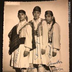 Cinema: FOTO ORIGINAL CON AUTÓGRAFO DE TOMAS ZORI,FERNANDO SANTOS Y MANOLO CODESO.ANTONIO ZARAGOZA 17X12 CM. Lote 194741026