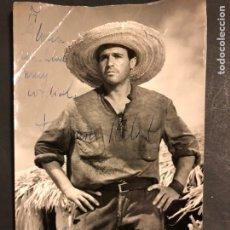 Cine: FOTO CON AUTÓGRAFO DE PACO FRANCISCO RABAL 20 X 12,5 CM. Lote 194906696