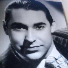 Cine: ~~~~ FOTOGRAFÍA ORIGINAL AUTOGRAFIADA DE ALEJANDRO ULLOA , BARCELONA 1944, MIDE 23 X 17,5 CM. ~~~~. Lote 203473732