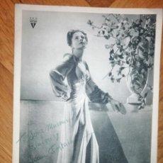 Cine: FOTOGRAFIA DEDICADA Y FIRMADA POR JOAN FONTAINE. RKO RADIO PICTURES CA. 1940. 24X17 CM.. Lote 237208355