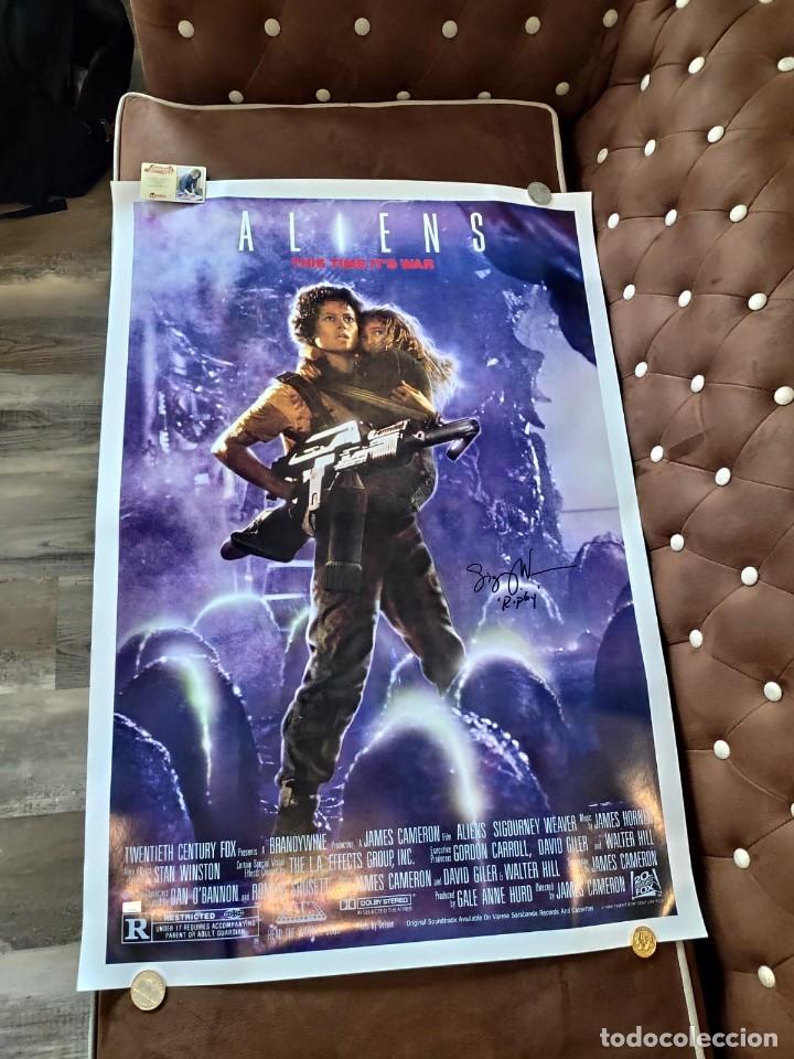 Cine: Sigourney Weaver Fundido Firmado Poster de Alienígenas 26.5x38.5 1986 autografo a mano certificado - Foto 2 - 269755688