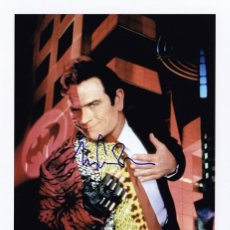 Cine: TOMMY LEE JONES SIGNED AUTOGRAPH BATMAN FOREVER TWO FACE 5X7 CARD. Lote 277574228