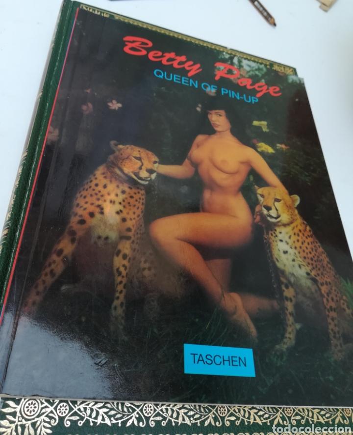 BETTY PAGE, QUEEN OF PIN-UP.BENEDIIKT TASCHEN. EDICIÓN EN INGLÉS. 79 PÁGINAS (Cine - Biografías)