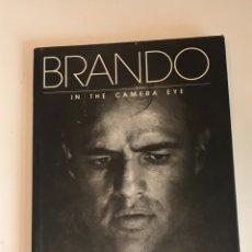 Cine: BRANDO IN THE CAMERA EYE SAM SHAW LIBRO MARLON BRANDO. Lote 275515648