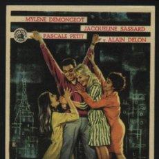 Foglietti di film di film antichi di cinema: P-3435- DEBILES MUJERES (CINE TRAJANO - MERIDA) (ALAIN DELON - MYLÈNE DEMONGEOT - PASCALE PETIT). Lote 24502138