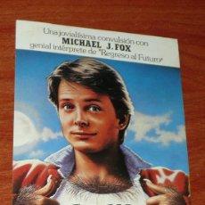 Cine: FOTO POSTAL PROMOCIONAL PELÍCULA TEEN WOLF MICHAEL J. FOX. Lote 16661571