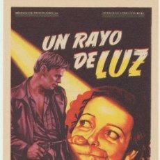 Cine: UN RAYO DE LUZ. SOLIGÓ. SENCILLO DE 20TH CENTURY FOX. CINE NEVERÍA DEL DUQUE - ALCALÁ. Lote 22749213
