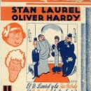 Cine: UN LIO DE FAMILIA.- LAUREL Y HARDY.- SENCILLO CARTULINA.- REVERSO CINE COLISEUM DE ELCHE.. Lote 36597833