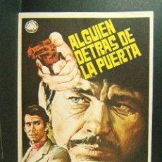 Cine: ALGUIEN DETRAS DE LA PUERTA-NICOLAS GESSNER-CHARLES BRONSON-ANTHONY PERKINS-ILUSTRADOR JANO-(1971) . Lote 41671810