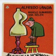 Cine: AUNQUE LA HORMONA SE VISTA DE SEDA, CON ALFREDO LANDA.. Lote 171714489