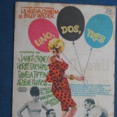 Folhetos de mão de filmes antigos de cinema: PROGRAMA CINE . UNO , DOS , TRES , CON PUBLICIDAD , CINE DE MATARÓ - VER FOTO ). . Lote 45030120