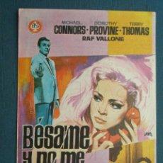 Flyers Publicitaires de films Anciens: PROGRAMA CINE . BESAME Y NO ME MATES , CON PUBLICIDAD , CINE DE MATARÓ - VER FOTO ). . Lote 45035897