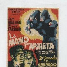 Cine: LA MANO QUE APRIETA 2ª JORNADA EL ENEMIGO INVISIBLE. SENCILLO DE ARAJOL. PUBLICIDAD DE BILLARES SE-. Lote 48333345