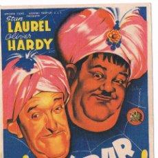 Cine: FOLLETO DE MANO ANTIGUO QUE PAR DE LOCOS LAUREL Y HARDY EL GORDO Y EL FLACO CINE JU. Lote 50516974