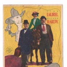 Cine: FOLLETO DE MANO ANTIGUO LAUREL Y HARDY EN EL OESTE EL GORDO Y EL FLACO CINE JU. Lote 50517016