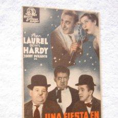 Cine: UNA FIESTA EN HOLLYWOOD LAUREL Y HARDY PROGRAMA CINE TARJETA. Lote 52783507