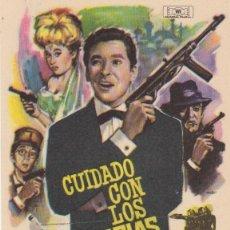 Flyers Publicitaires de films Anciens: CUIDADO CON LOS ESPÍAS. SENCILLO DE MUNDIAL FILMS. ¡IMPECABLE!. Lote 60052459