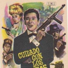 Flyers Publicitaires de films Anciens: CUIDADO CON LOS ESPÍAS. SENCILLO DE MUNDIAL FILMS. ¡IMPECABLE!. Lote 60052559