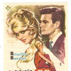 Cine: LA PEQUEÑA B.B. - BRIGITTE BARDOT, LOUIS JOURDAN, MICHELINE PRESLE - DIRECTOR PIERRE GASPARD HUIT. Lote 67236669