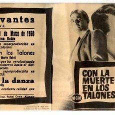 Cine: CON LA MUERTE EN LOS TALONES (FOLLETO DE MANO ORIGINAL CON PUBLICIDAD CINE CERVANTES VILLENA) . Lote 69389497