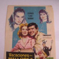 Cine: VACACIONES EN MALLORCA FOLLETO DE MANO ORIGINAL CON CINE IMPRESO . Lote 80292053
