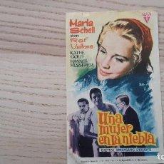 Cine: FOLLETO DE MANO DE LA PELÍCULA UNA MUJER EN LA NIEBLA - 1965 - RÍO CINEMA DE BARCELONA. Lote 80296973