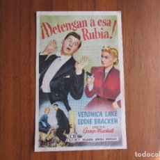 Cine: PROGRAMA DE CINE FOLLETO DE MANO DETENGAN A ESA CHICA DEL1951 CON PUBLICIDAD VER FOTOS. Lote 92735335