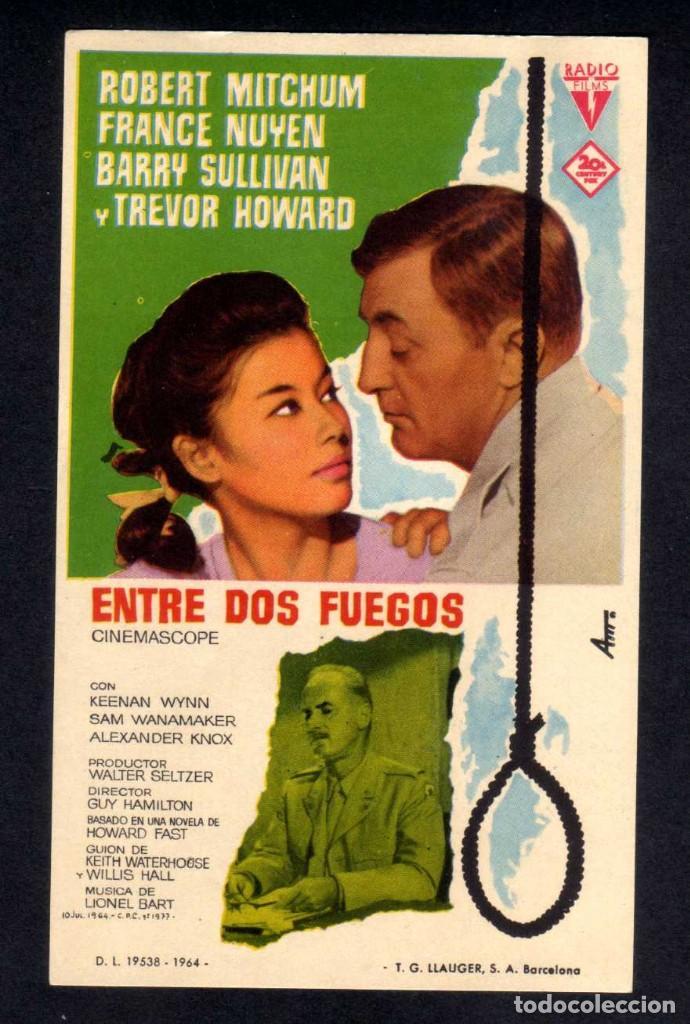 FOLLETO DE MANO: ENTRE DOS FUEGOS, ROBERT MITCHUM, FRANCE NUYEN, BARRY SULLIVAN - SIN PUBLI (Cine - Folletos de Mano - Drama)