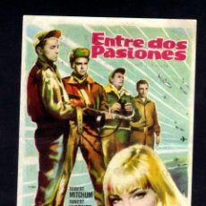 Cine: FOLLETO DE MANO: ENTRE DOS PASIONES. ROBERT MITCHUM, ROBERT WAGNER. CINE ESPAÑA MASNOU 1961. Lote 98066687